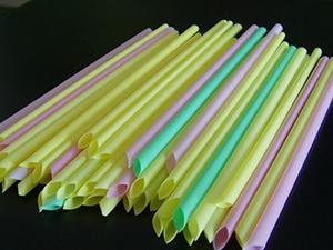 塑料吸管年底禁用 塑料吸管有多难降解用什么代替