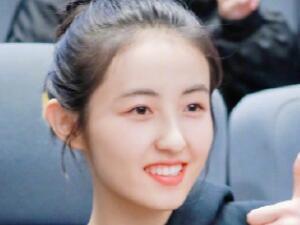张子枫北电艺考第三 妹妹边录节目边学习实在是太优秀了