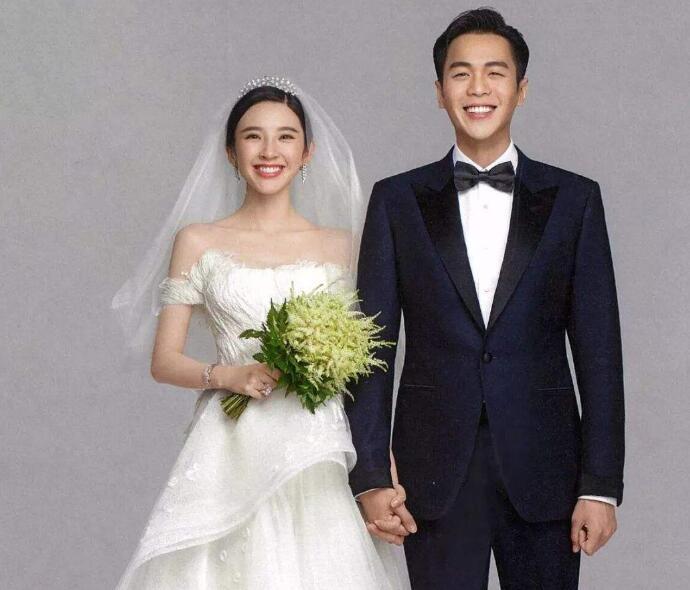 张若昀唐艺昕结婚照片